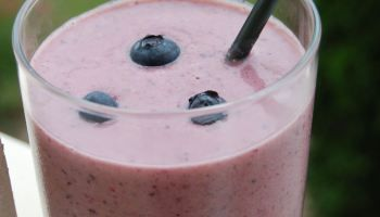 Recipe: PB&J Smoothie (yes, you read that right!)