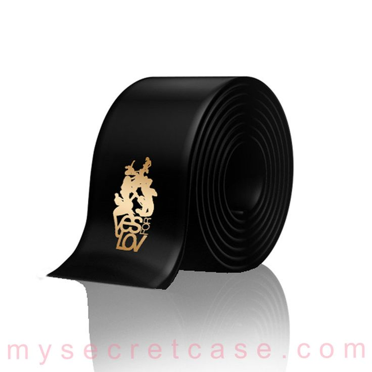 Black Satin Blindfold è una benda per bendare gli occhi o legare polsi e caviglie di YESforLOV http://www.mysecretcase.com/bondage-yesforlove-black-satin-blindfold