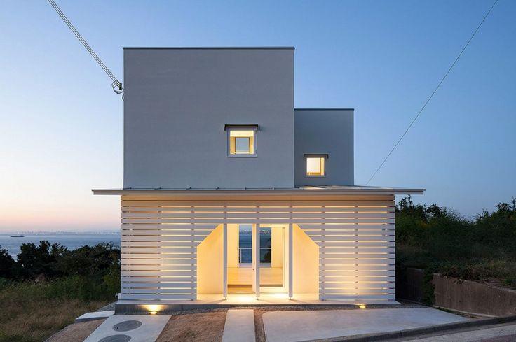 IZUE architects illuminate house on awaji island in japan