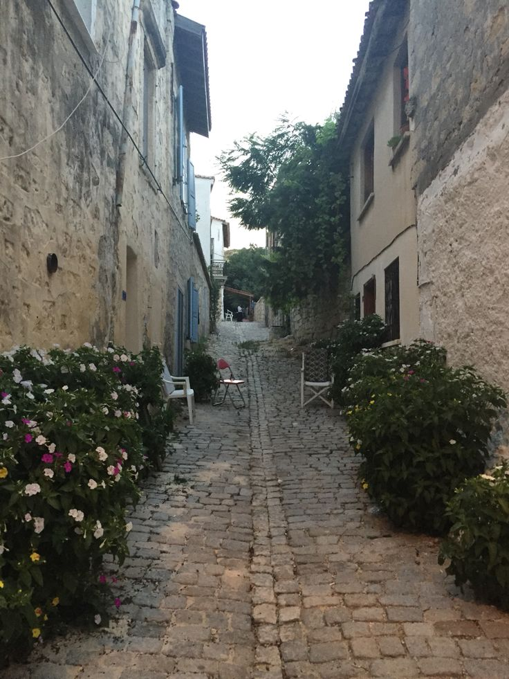 #road#oldhouse#beautiful#alacati