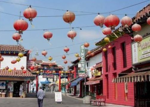 We can either walk through the placita Olvera and then head over to china town.