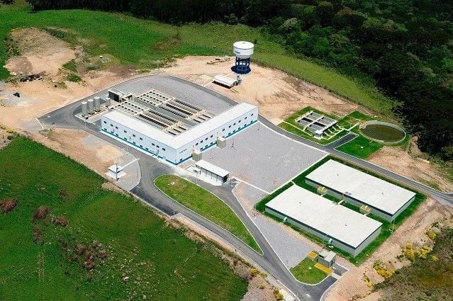 Partido dos Trabalhadores - 6/11/2013 SISTEMA DE ABASTECIMENTO DE ÁGUA MARRECAS, CAXIAS DO SUL (RS) -Inaugurado em 2012,o Marrecas é composto por barragem,Estação de Bombeamento de Água Bruta (EBAB), 7,2 km de adutora de água bruta,Estação de Tratamento de Água (ETA),19 km de adutora de água tratada e centro de reservação,este com capacidade para armazenar 5 milhões de litros de água para distribuição à cidade.O sistema vai beneficiar 250 mil pessoas pelos próximos 30 anos. Obra faz parte do…