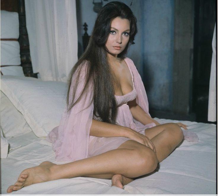 Femme Fatale: Rosanna Schiaffino | Leg & other views ...