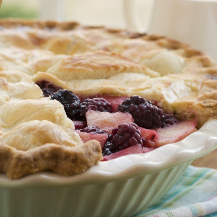 This blackberry and apple pie recipe is easy to prepare and is a glorious treat.