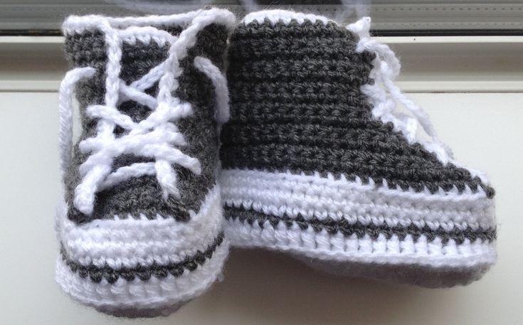 Mẫu móc giày cao cổ cho các bé yêu