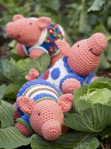 Funky Pigs amigurumi crochet pattern..
