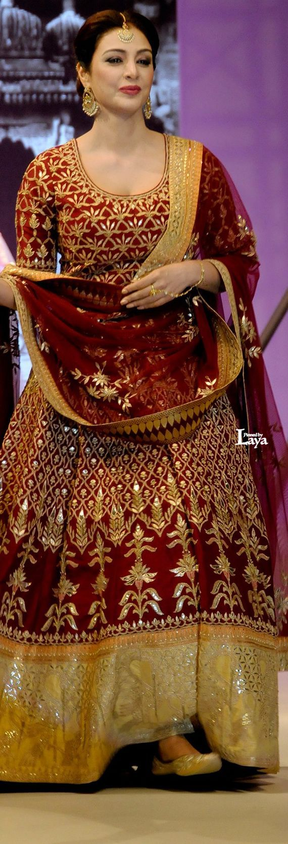 [Click on the photo to book your wedding photographer] Indian Bride | Asian Wedding Bride Indian Bride Makeup | Indian Bride Lehenga | Indian Bride Inpiration Curated By Best Indian Candid & Destination Wedding Photography: Magica By Rish Agarwal