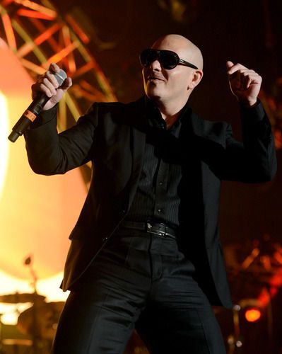 Pitbull and Shakira 'Get It Started' and 5 other favorite VIDEOS feat. the hot Cuban rapper
