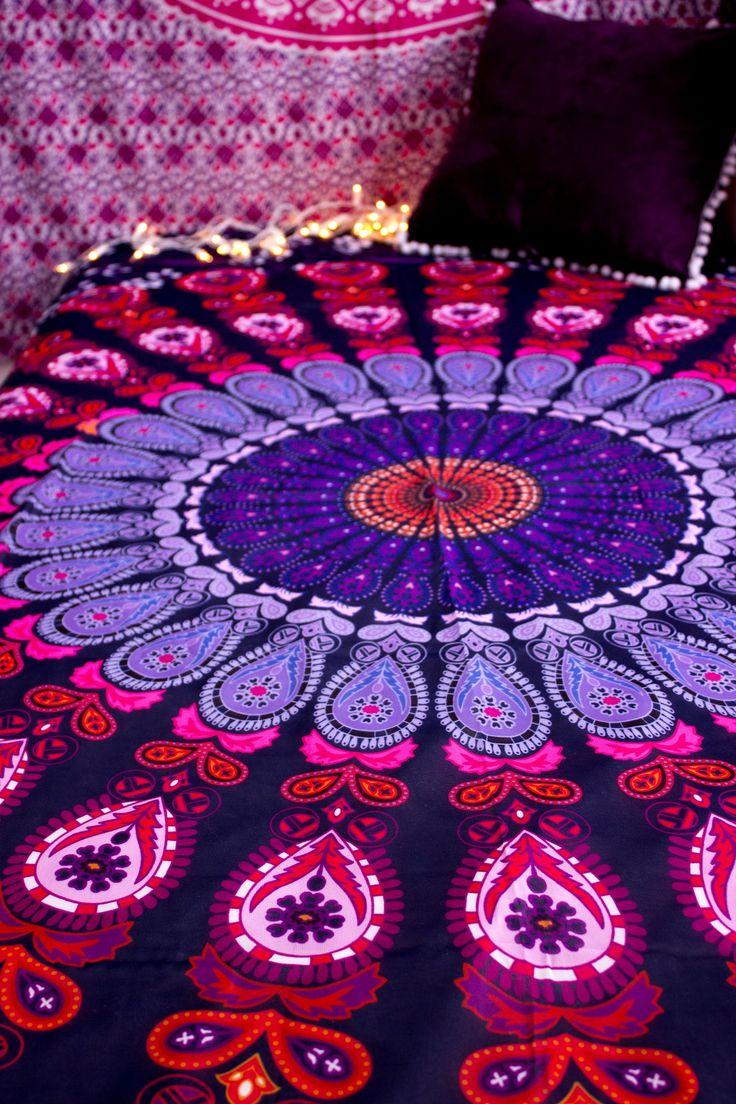 Manta indiana, pode ser usada como colcha, canga ou manta para decoração.  Tecido: Chiffon Medidas: 140x215 cm  Manta Indiana Mandala Boho ☽ ✩  Decoração Gipsy , Decoração Boho , Colcha Indiana, Indian Tapestry, Indian Decor, Boho Deco