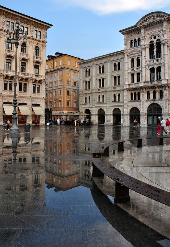 Piazza dell'Unita d'Italia, Trieste, Friuli Venezia Giulia, Italy - dopo la pioggia