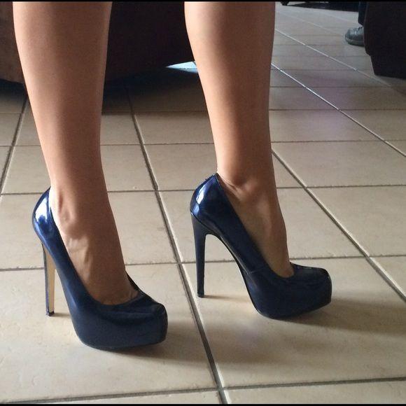 Blue high heels Navy blue high heel... Wore once, excellent condition ALDO Shoes Heels