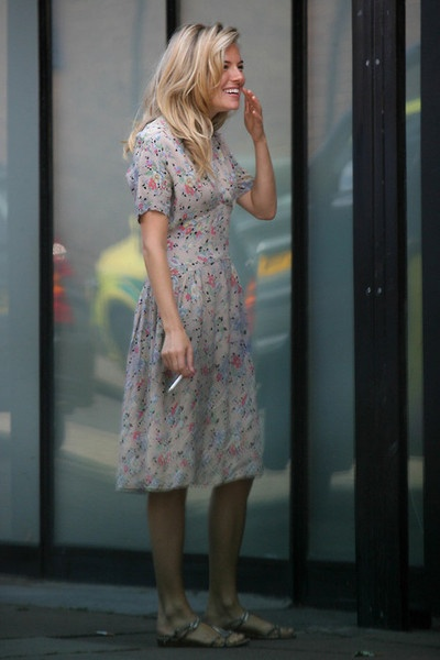 1851 best sienna images on pinterest photo galleries sienna miller and sienna miller style Sienna miller fashion style tumblr