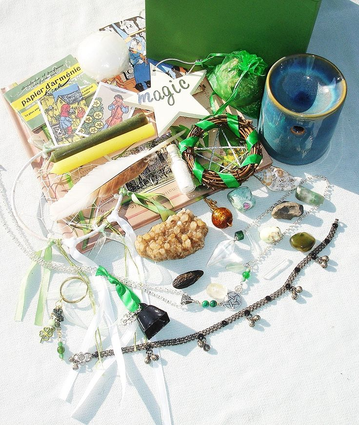 Pagan Wiccan Witch Box Starter Kit - Traveling Altar Kit - Kits
