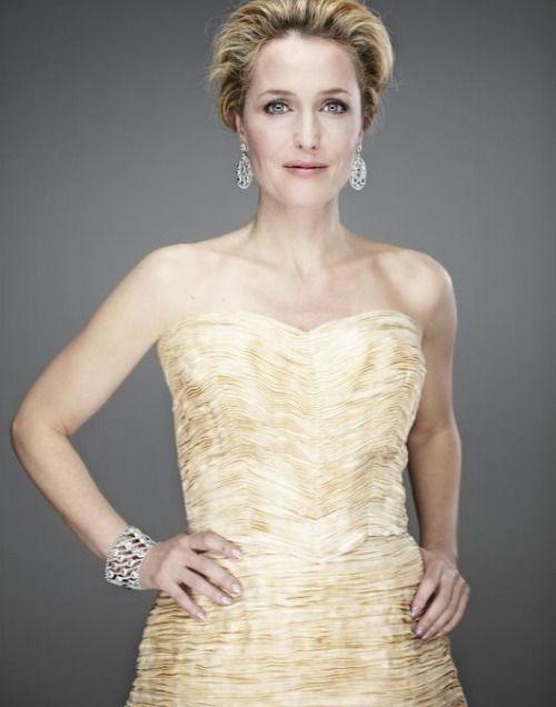 : Gillian Anderson,......