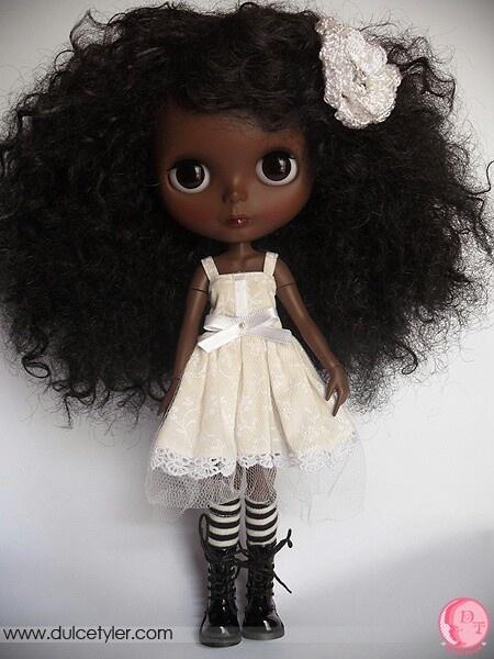Black Blythe (so cute)