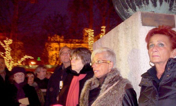 A magyar kormány a hitleri német megszállás 70. évfordulójára emlékművet akar állítatni a Szabadság téren. A döntés megszületett, hatályba is lépett, január 1.-én a Magyar Közlönyben megjelent kormányhatározat.   Akik december 31.-én az interneten találkoztak a...