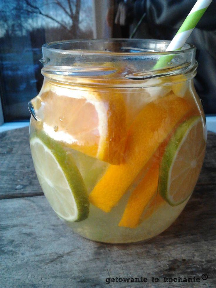 infused water, wodna infuzja, woda z owocami, zdrowotna woda, źródło witaminy C, na zgagę, na trawienie, wzmocnienie odporności, na odporność, pomarańcze, woda z cytryną, cytryna, limonka