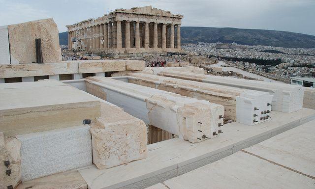 Az Europa Nostra 2013 közönségdíjasa az athéni Akropolisz bejáratát adó épületegyüttesnek, a Propülaiának a központi épülete, Athén, Görögország.