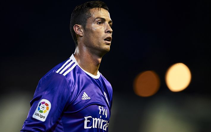Download wallpapers 4k, Cristiano Ronaldo, CR7, Real Madrid, La Liga, football stars, violet uniform, football, Galacticos, soccer