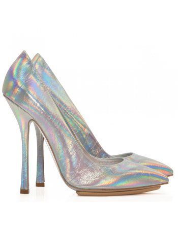 Transcend catwalk style in Stella McCartney's eye-catching silver holographic heels. Right on trend, these classic courts will add a mirrored edge to a contemporary look when worn with bare legs and a jacquard skirt or cropped skinny trousers.