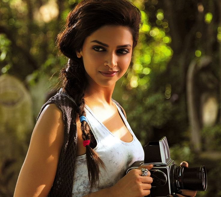 Deepika Bollywood Actress Wallpaper For Cell Phone