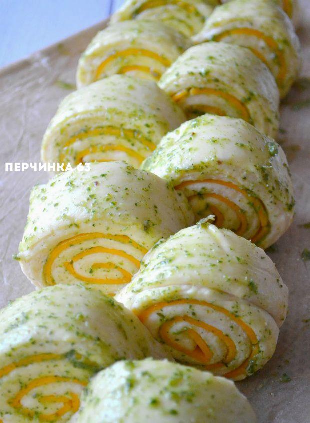 Итальянский пирог *Чеддер* с чесноком и травами