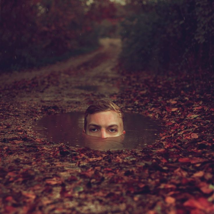 By Kyle Thompson - a surreal photographer based near Chicago Illinois. kylethompsonphotography.com ‎
