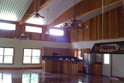 Another barndominium interior barndominiums pinterest for Steel building homes interior