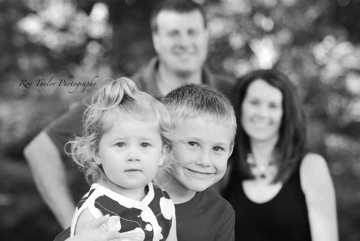 Family of 4 photo ideas. Love how the parents are faded in the back cuz who really wants to see us?!