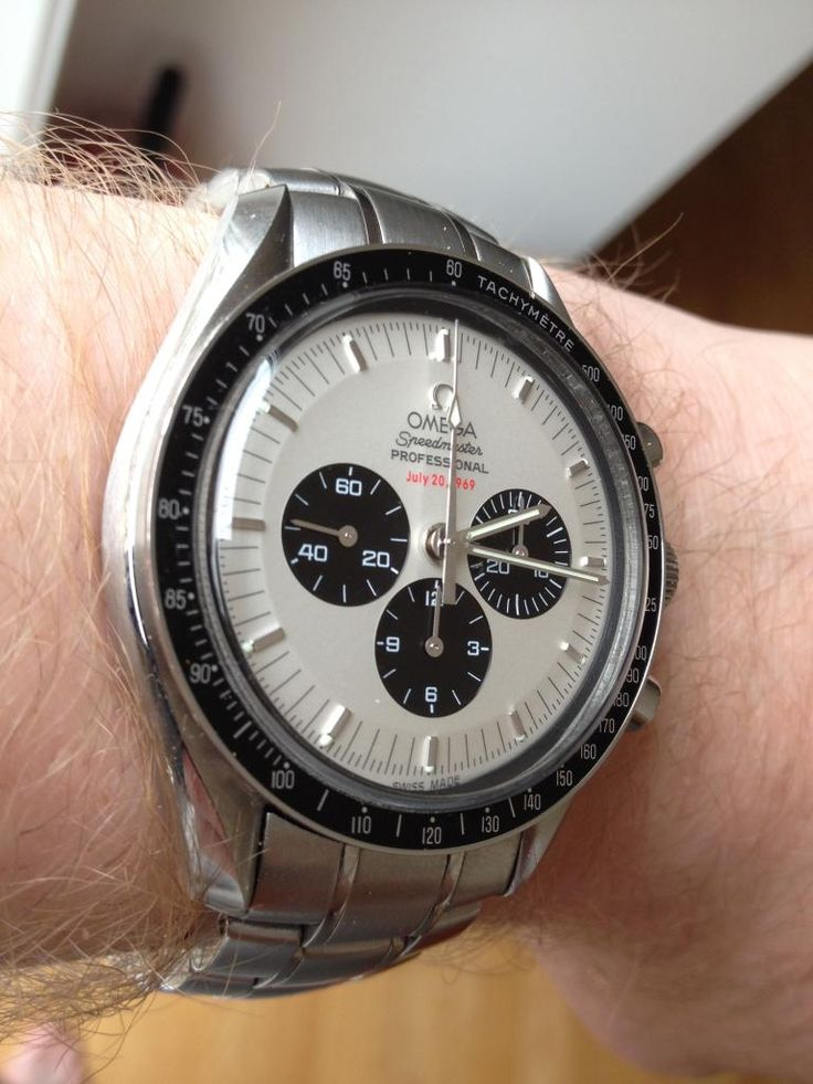 Superb OMEGA Speedmaster Pro Apollo 11 35th Anniversary Limited Edition In Stainless Steel
