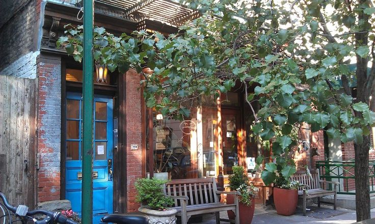 Café Grumpy in New York City | 25 Coffee Shops Around The World You Have To See Before You Die