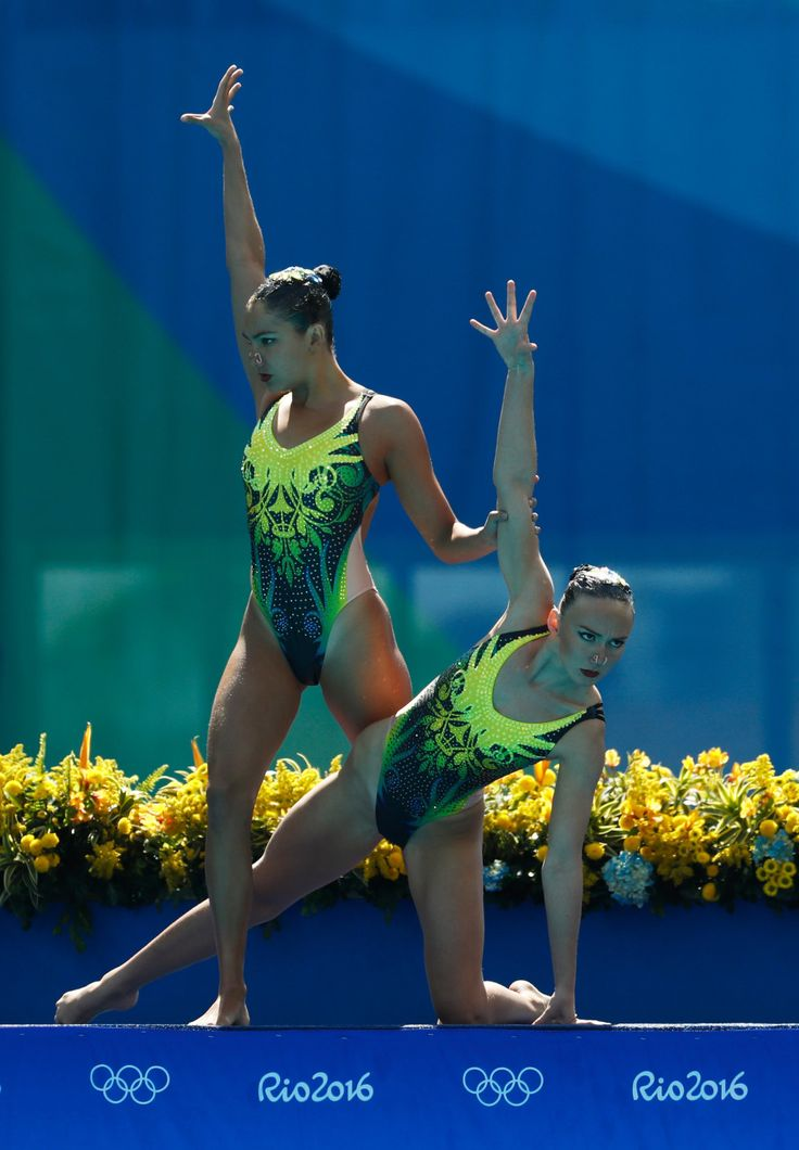 Synchronized swimming is the catwalk of the Olympics. | 21 Times Synchronized Swimming Felt More Like A Really Incredible Fashion Show