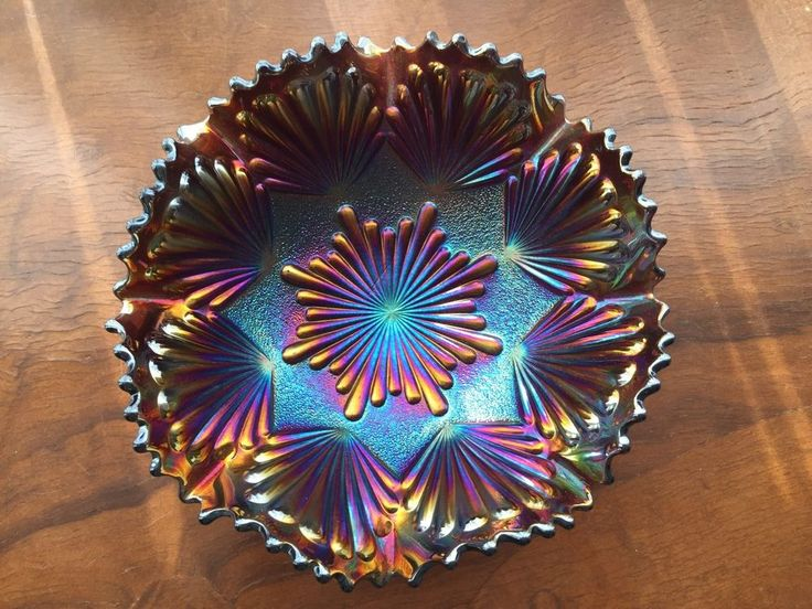 Imperial glass Helios Shell And Sand ruffled Amethyst Carnival Bowl