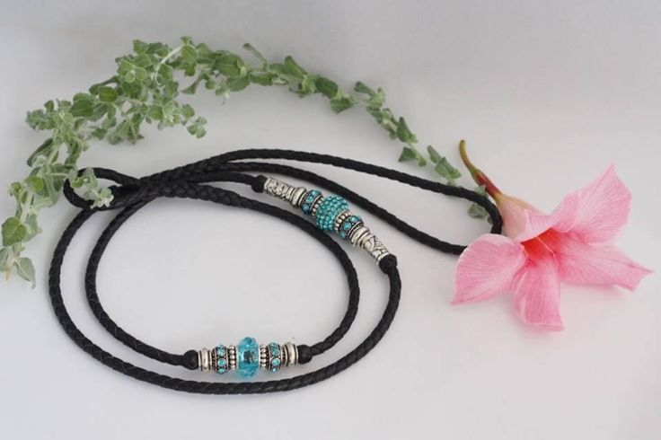 Black Kangaroo Show Lead with Silver & Turquoise Beads