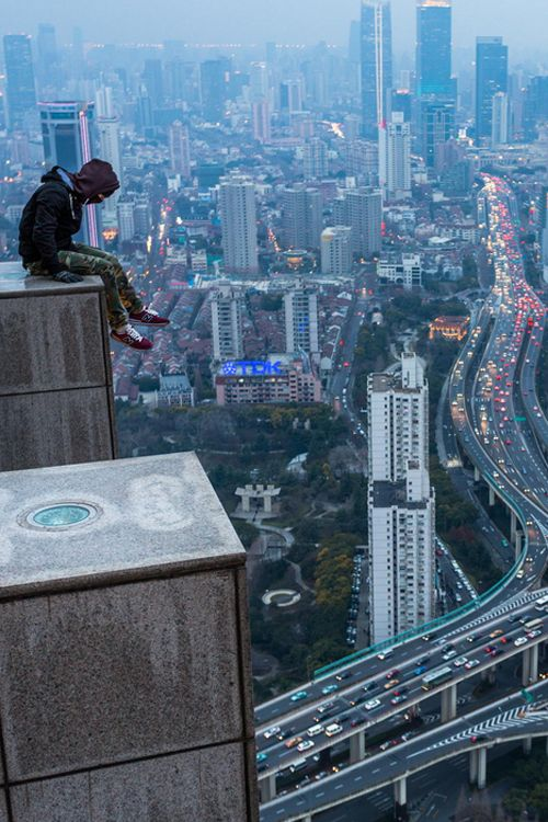 Best Over The Roofs Images On Pinterest Rooftop Cities And - Daredevil duo climb hong kongs buildings capture like youve never seen