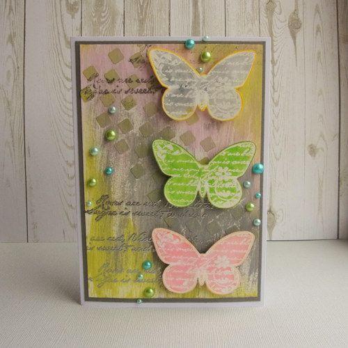 Akrylová barva, pasta, horký embosing, akvarelové fixy a perličky