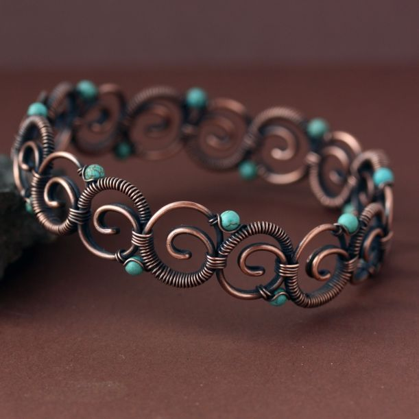 This is really cool and the tutorial is only $10.Maiandros Bangle | JewelryLessons.com