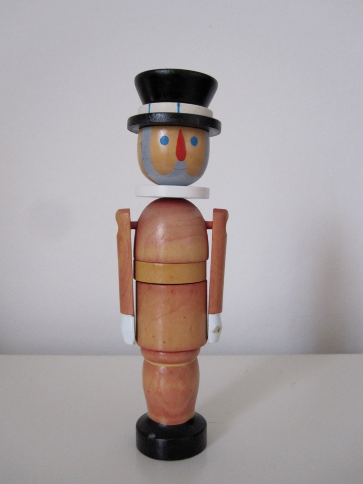 Vintage Wooden Stacking Guardsman Toy - Beefeater | Wooden ...