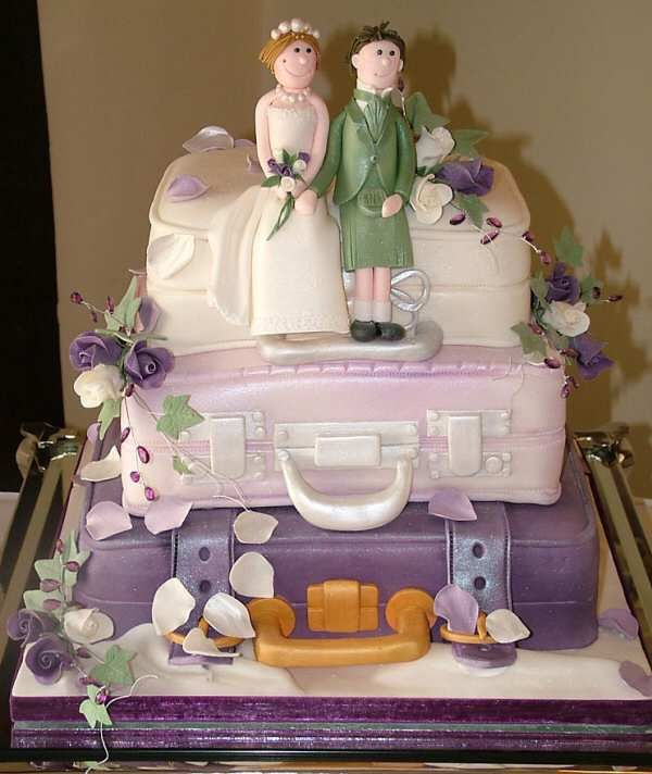 Google Image Result for http://www.toonicetoslice.co.uk/w_cakes/Lilac_Suitcase_Wedding_Cake.jpg