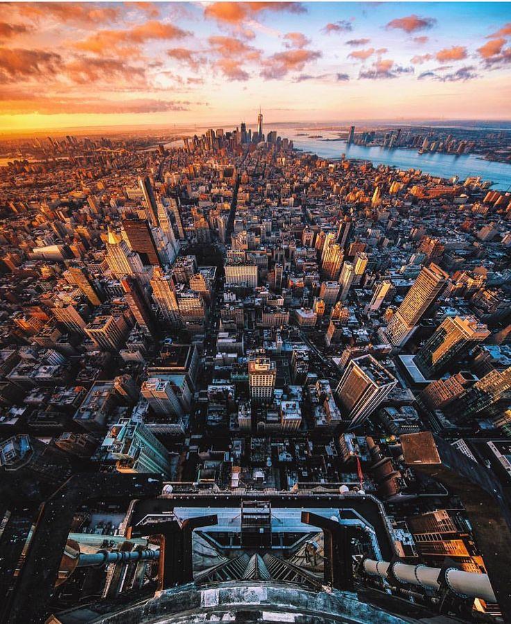 Empire State Building by Scott Lipps @scottlipps #newyork #newyorkcity #nyc #manhattan #brooklyn