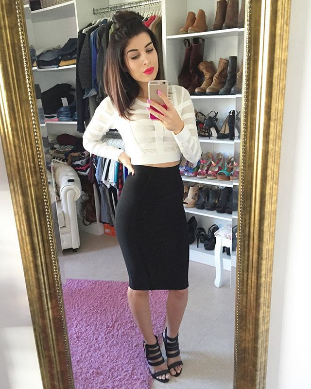 Black and White  Jupe et top @houseofcbfr Je suis vraiment amoureuse de cette marque ✌️ Chaussures @jeansindustry