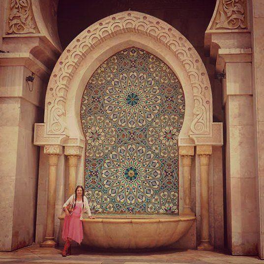 Jeanne Els wrote about Morocco in our December 2014 issue | Jeanne Els het in Desember vir ons geskryf oor haar besoek aan #Marokko. Hier's sy by die #Hassan II-moskee in #Casablanca