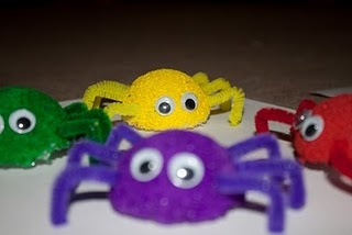 spider craft: Snails, Schools Day, Spiders Crafts, Color, Dogs Tail, Puppys Dogs, Kids Crafts, Tots Schools, Business Spiders