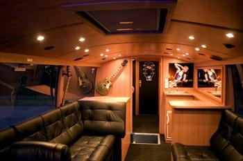 118 Best Tour Buses Images On Pinterest Bus Camper