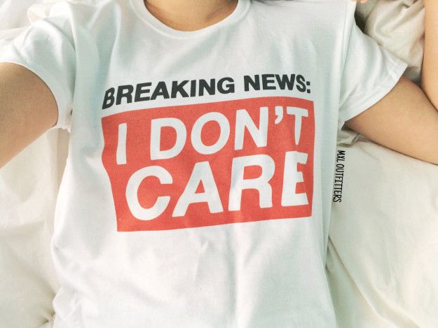 A tee with a breaking news report.