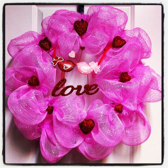 180 best Valentines Mesh Wreaths images on Pinterest | Valantine ...