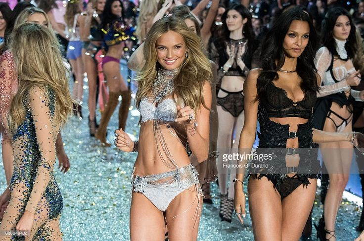 Models walk the runway at the Victoria's Secret Fashion Show on November 30, 2016 in Paris, France. the 2016 Victoria's Secret Fashion Show on November 30, 2016 in Paris, France.