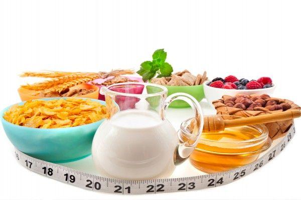 Por que é importante tomar café da manhã e jantar  O CAFÉ DA MANHÃ É A REFEIÇÃO MAIS IMPORTANTE DO DIA  Se você pensou que deixar de tomar café da manhã ajuda a perder peso estas em um grave erro. O café da manhã não só é importante se não é a refeição mais importante do dia.  Tomar um café da manhã saudável pela manhã não só trará ao seu organismo a energia necessária para começar o seu dia se você não irá também lançar o seu metabolismo. Como quem diz ligar os motores e irá ajudá-lo a…