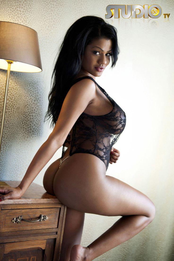 Sexy Nude Secretary 23