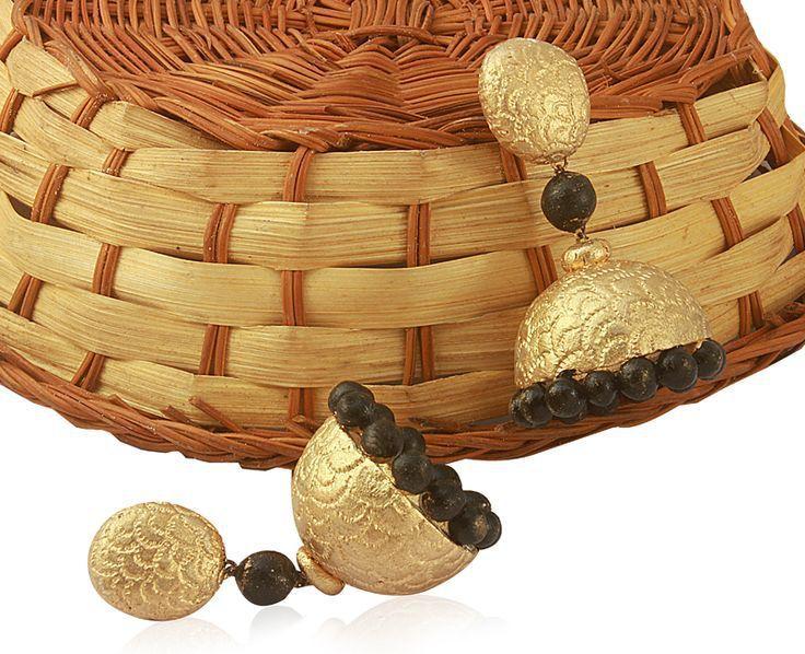 Terracotta-earrings-in-gold.jpg (736×598)
